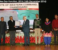 Raksha Mantri's Award for Excellence in Record Management being received by Dr. A. K. Kapoor, PD DE WC