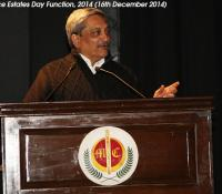 Shri Manohar Parrikar, Hon'ble Raksha Mantri addressing the gathering on Defence Estates Day, 2014 at Manekshaw Auditorium, Delhi Cantt