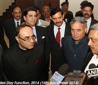 Shri Manohar Parrikar, Hon'ble Raksha Mantri and Shri Rao Inderjit Singh, Hon'ble Raksha Rajya Mantri interacting with media
