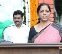 """श्रीमती निर्मला सीतारमण, माननीय रक्षा मंत्री """"स्वच्छता ही सेवा"""" अभियान के दिल्ली छावनी में प्रमोचन के अवसर पर सभा को संबोधित करते हुए"""