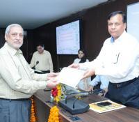 महानिदेशक, रक्षा सम्पदा  सफल प्रतियोगियों को प्रशस्ति पत्र व नकद पुरस्कार हुए