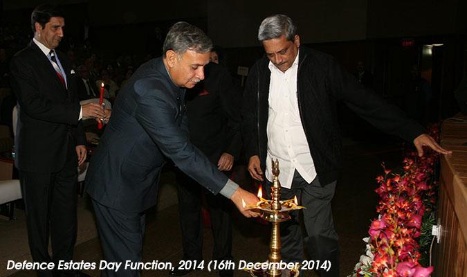 Shri Rao Inderjit Singh, Hon'ble Raksha Rajya Mantri Lighting the Lamp