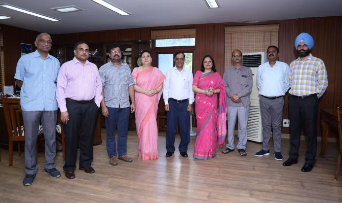 Shri Ajay Kumar Sharma, DGDE with the officers of Directorate General of Defence Estates