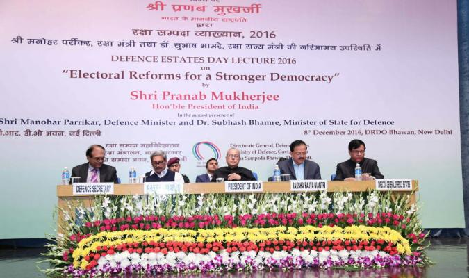 Hon'ble Pranab Mukherjee, the President, Shri Manohar Parrikar, the Raksha Mantri, Dr Shubhash Bhamre, RRM, Shri Shri G.Mohan Kumar, Defence Secretary and Shri J Sharma, DGDE on Dais