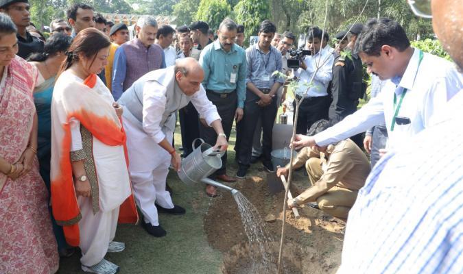 Shri Rajnath Singh, Hon'ble Raksha Mantri planting tree
